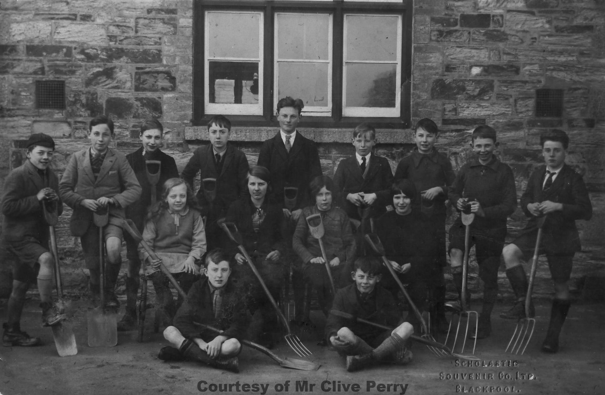 Goonhavern School Classes - Circa 1928-29