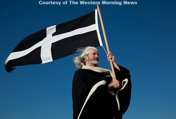 Colin Retallick as St Piran.
