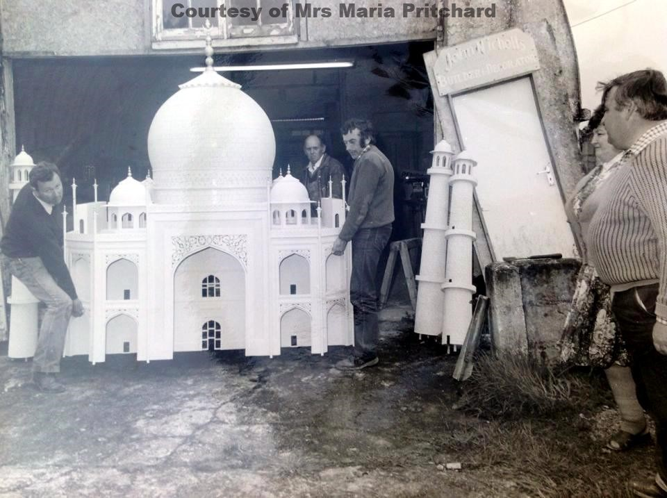 Moving the Taj Mahal (2)