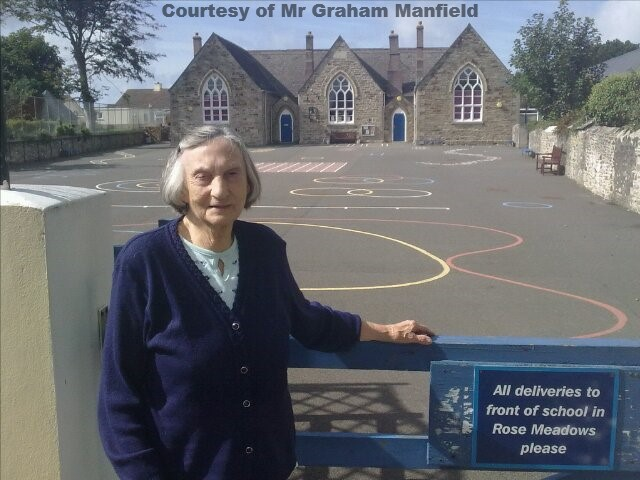 Ex Caretaker Mrs Margaret Manfield returns to Goonhavern School in 2010 after retiring back in 1983.