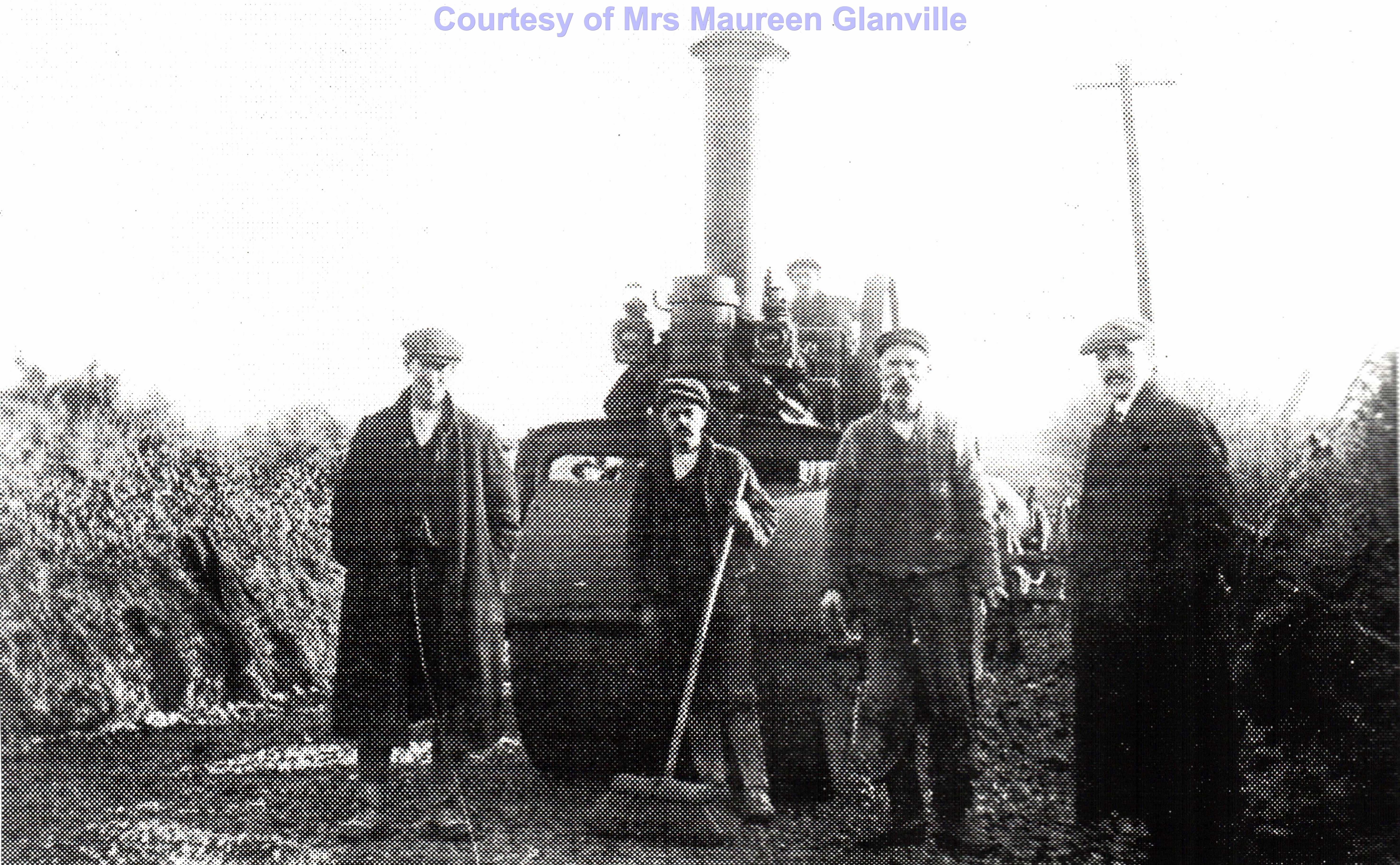 Road widening at the top of Mount Hill - Circa 1920