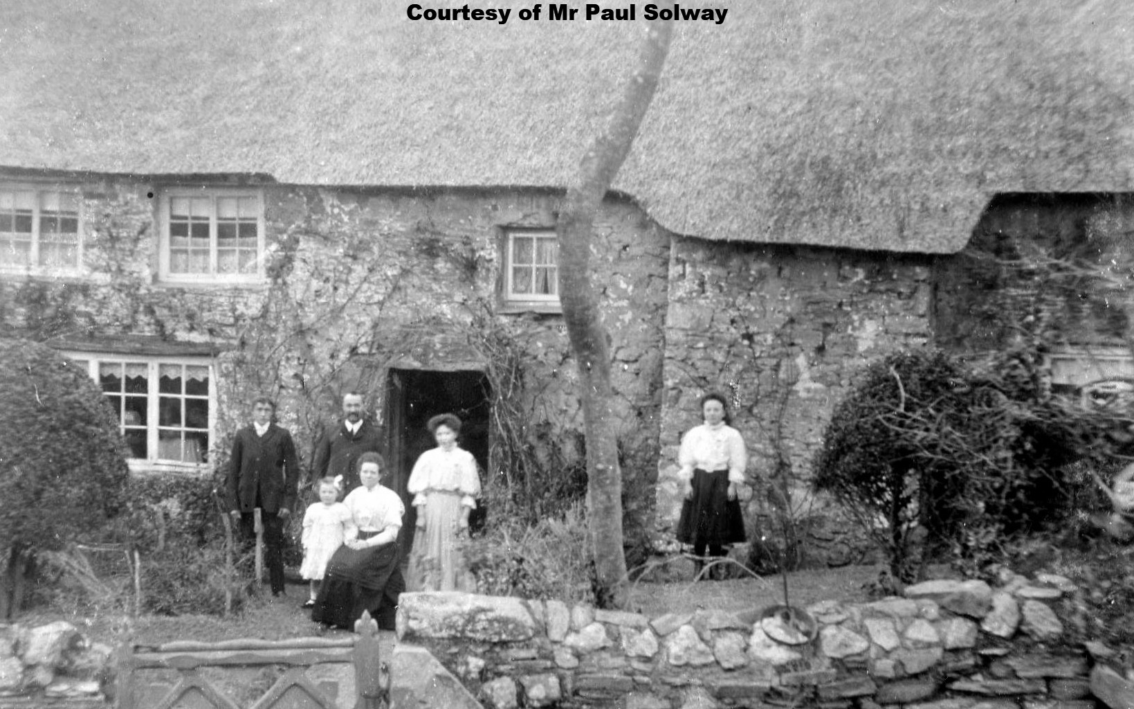 Pencrennow 1910 - The Rowland Family